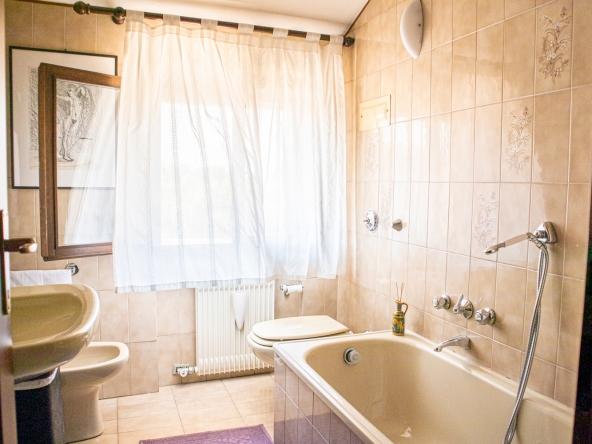 quinto-appartamento-aria-condizionata-videocitofono-porta-blindata (10)