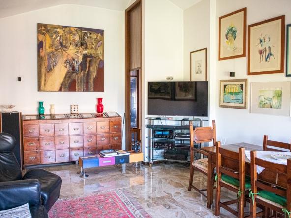 quinto-appartamento-aria-condizionata-videocitofono-porta-blindata (7)