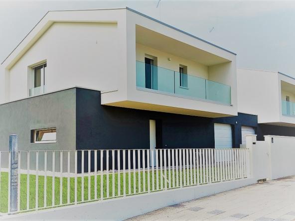 bifamiliare-zero-branco-giardino-garage (6)