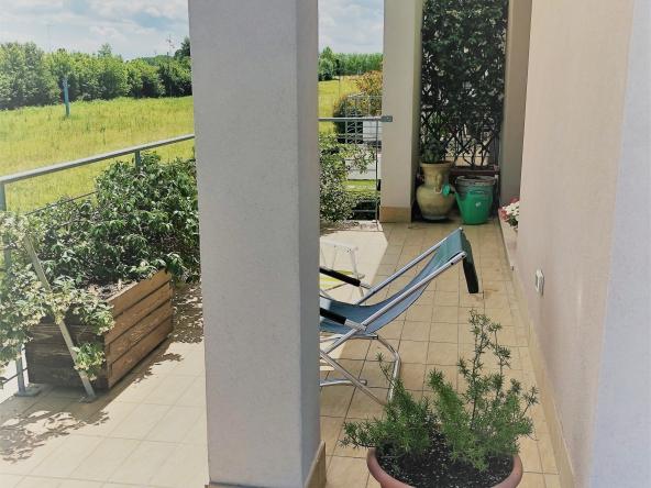 Appartamento-indipendente-camino-terrazzo-giardino-centro-servizi (1)