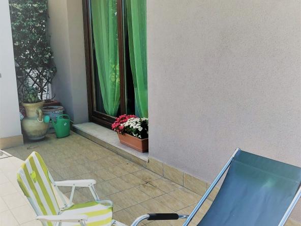 Appartamento-indipendente-camino-terrazzo-giardino-centro-servizi (2)