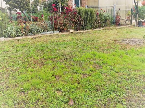 quinto-rustico-giardino-orto-terreno-legnaia(6)
