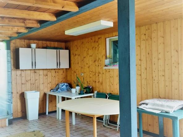 casa-singola-due-appartamenti-b&b-due-garage-giardito-camino (9)