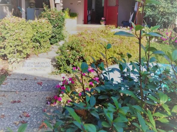 000__zeero-branco-casa-rustico-giardino-garage__9